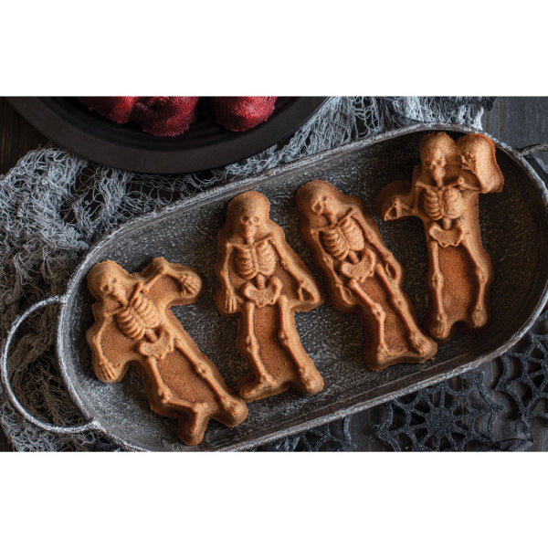 Spooky Skeleton Cakelet Pan