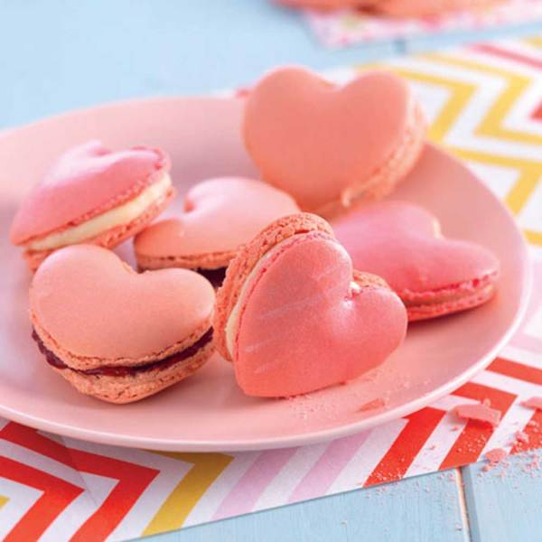 Heart Shaped Macaron Kit