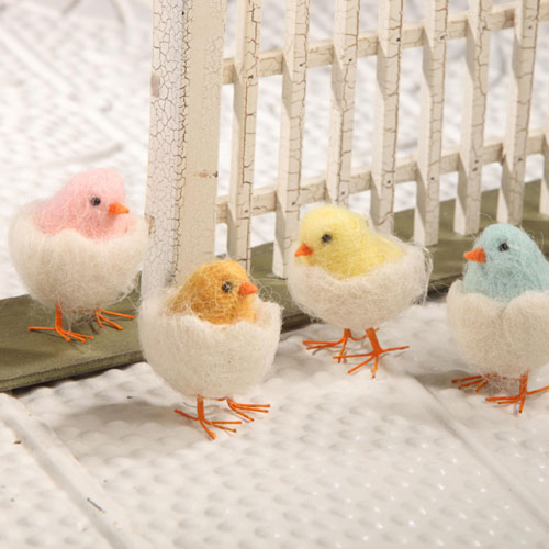 LTD QTY!  Felt Chick in Egg Set