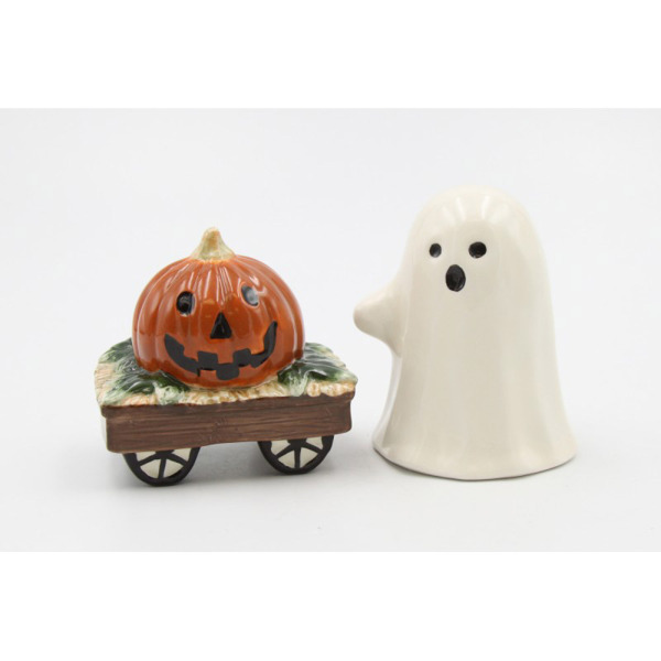 SALE!  Ghost & Pumpkin Wagon Salt & Pepper