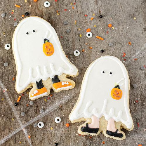 LTD QTY!  Ghost Halloween Costume Cookie Cutter