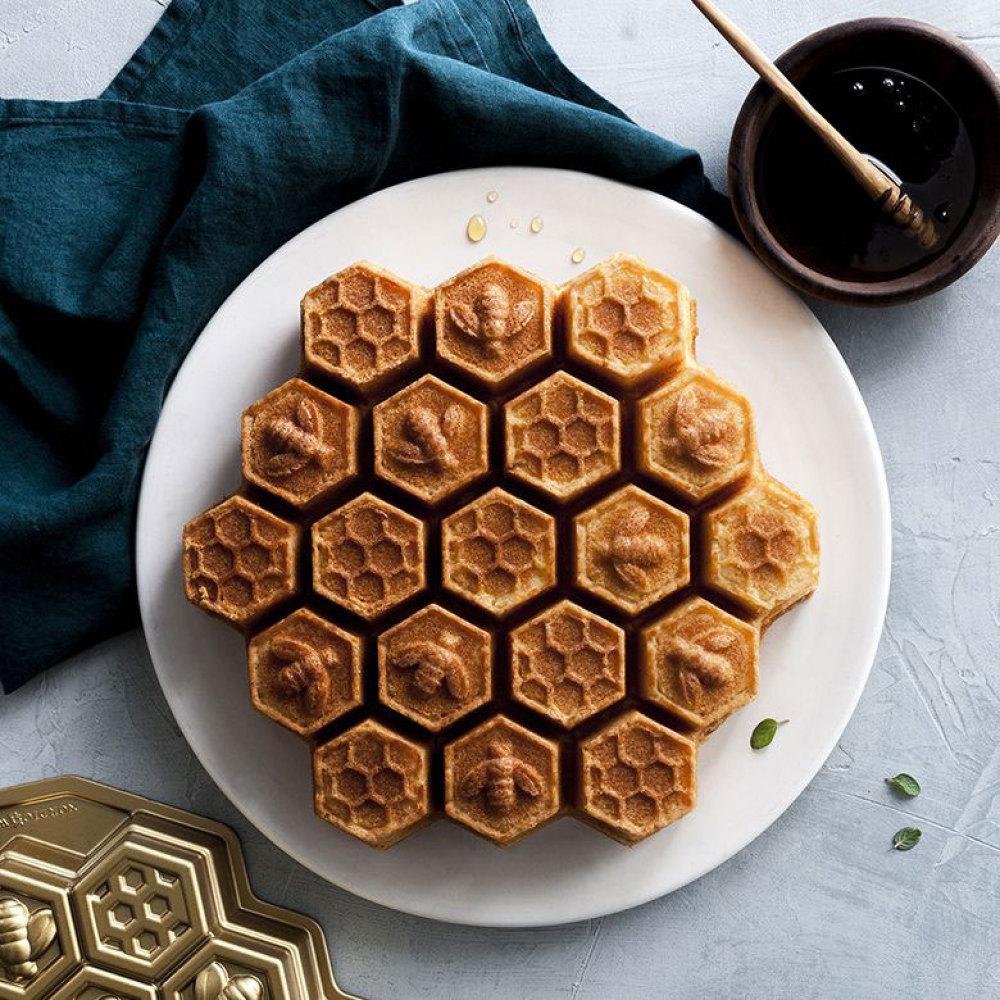 Honeycomb Cake Pan Nordic Ware Fancy Flours