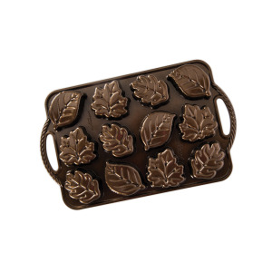 Leaflettes Cakelet Pan - Nordic Ware