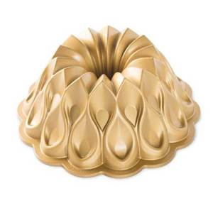 Crown Bundt Pan - Nordic Ware