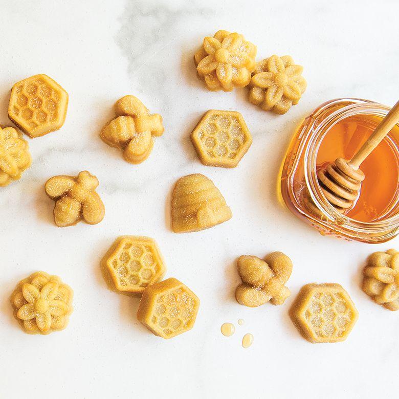 Honey Chamomile Bee Cakelets