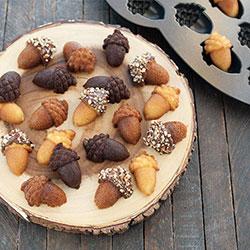 Acorn Cakelet Pan - Nordic Ware