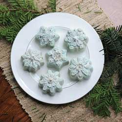 Frozen Snowflake Cakelet Pan - Nordic Ware