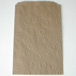 DP!  Kraft Bags with Embossed Button Design, Set of 12