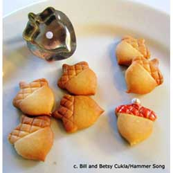 Wee Acorn Cookie Cutter, Hammer Song