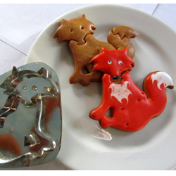 Hammer Song Foxy Cookie Cutter