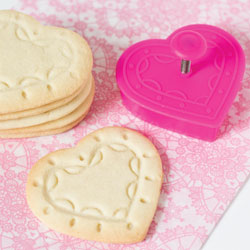 Fancy Heart Cookie Stamp & Cutter