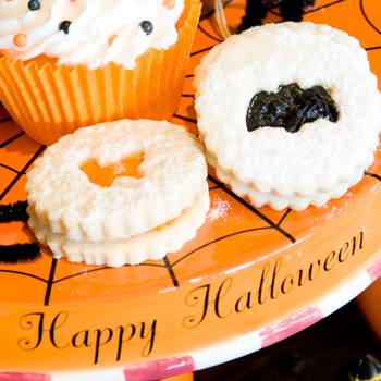 Halloween Linzer Cookies How-To