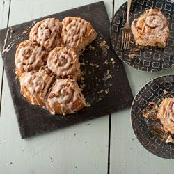Cinnamon Bun Pull Apart Pan- Nordic Ware