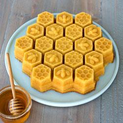 Honeycomb Cake Pan - Nordic Ware