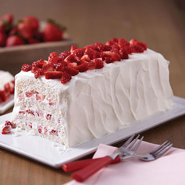 Cookies And Cream Strawberry Shortcake With Toasted Angel Food Cake ...