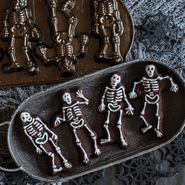 Skeleton Brownie Cakelets