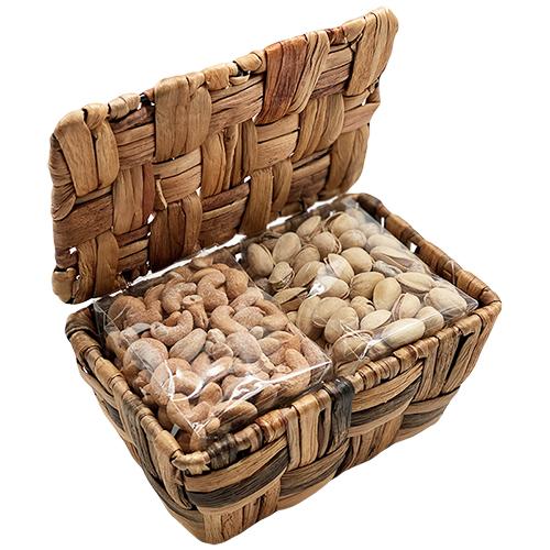 Tempting Tidbits Pistachios & Cashews