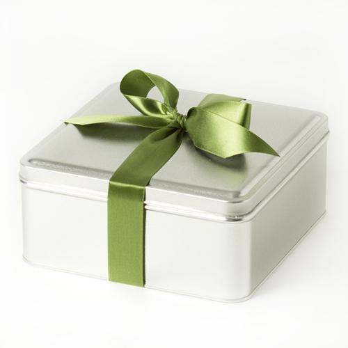 Appreciation-Affair-Gift-Tin-Harvest-Nut-Mix-Bow