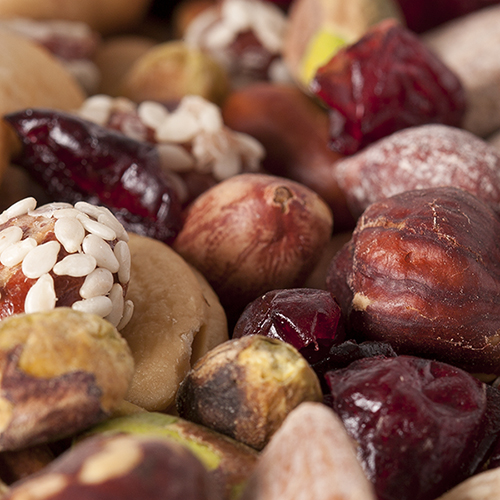 mixed nuts with cranberries