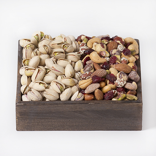Duo-gift-Tray-pistachios-cranberry-nut-mix