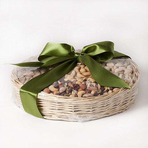 flavor-fanfare-gift-basket-nuts-bow