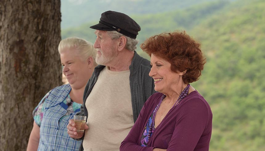 LOVE SAVES THE VILLAGE (1X90')