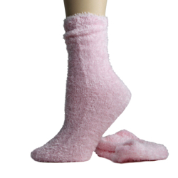 Foot Traffic Microfiber Fuzzy Socks Pink