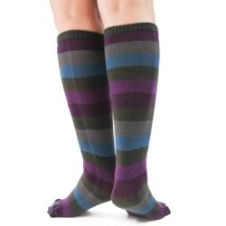 peacock toe socks back view on model