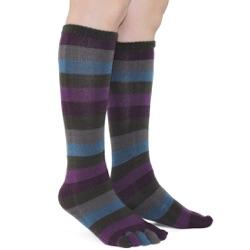 peacock toe socks side view on model