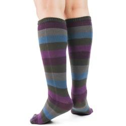 peacock toe socks sideback view on model