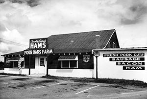 Four Oaks Farm Store