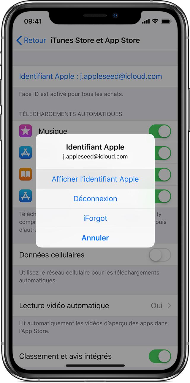 iPhoneX affichant les réglages iTunesStore et AppStore. L'option Afficher l'identifiantApple est mise en évidence sur un menu ouvert au premier plan.