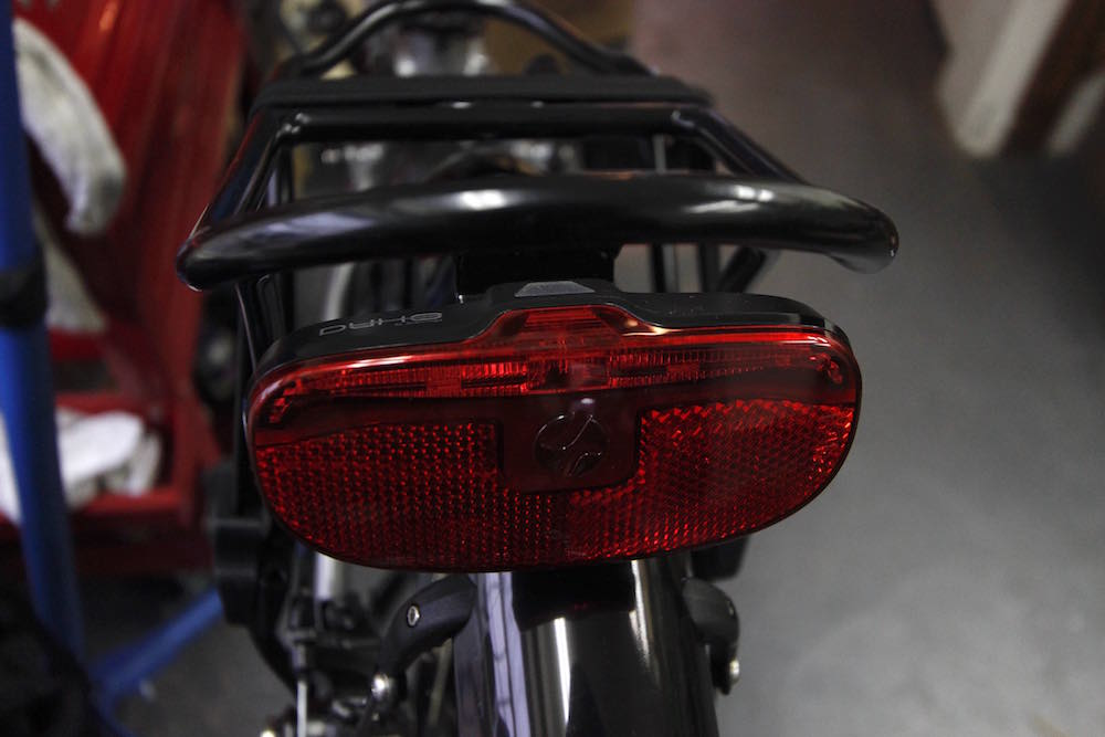 Quest Max Tail Light Battery Replacement