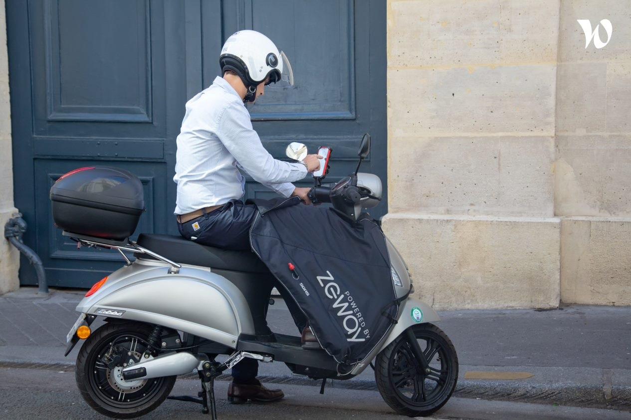 scooter électrique rue paris