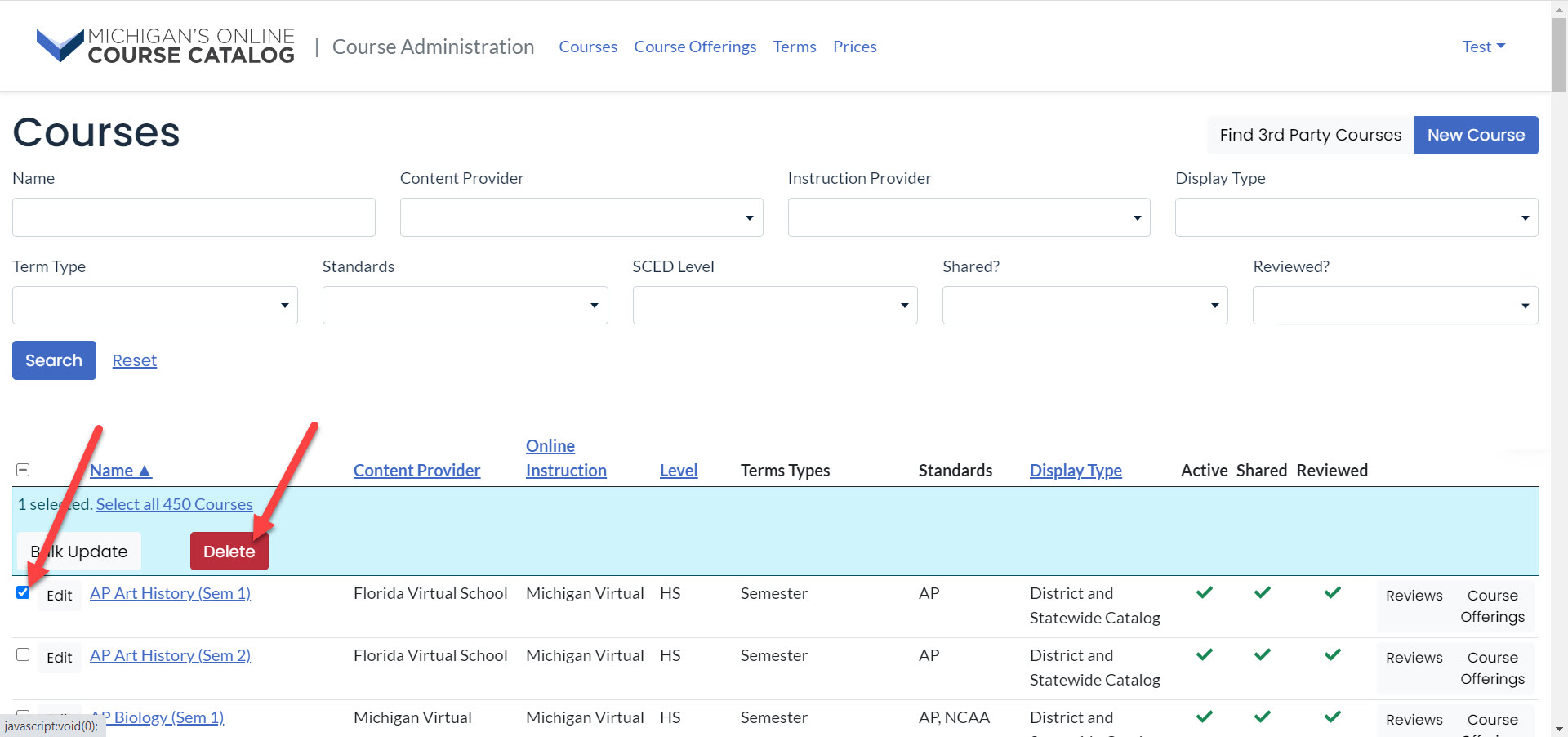The courses page is shown with search filters above search results table. An arrow points to the checkmark next to the course title and to the Delete button.