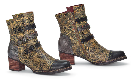 Oakleaf Buckle Boots