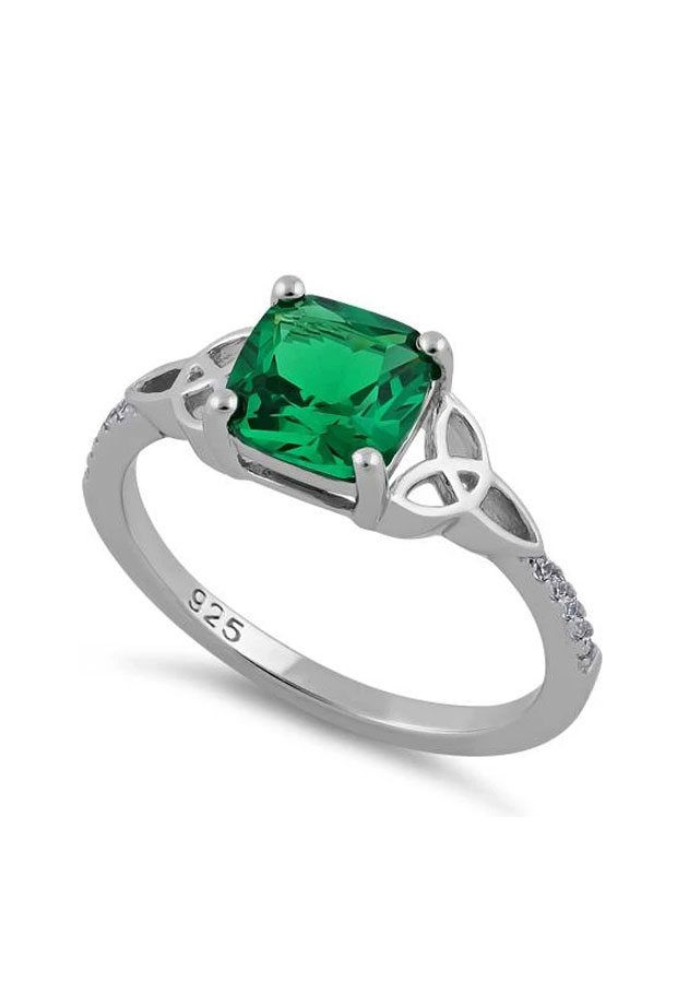 Delicate Green Crystal Knotwork Ring