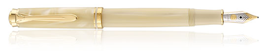 Pelikan Souveran 320 Pearl Fine Point Fountain Pen