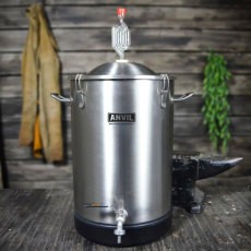 7.5 Gallon Anvil Bucket Fermentor_1