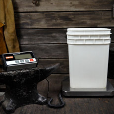 Anvil Large Grain Scale with Bucket 2
