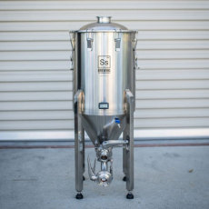 14 Gallon SS Brewtech Brewmaster Series Chronical