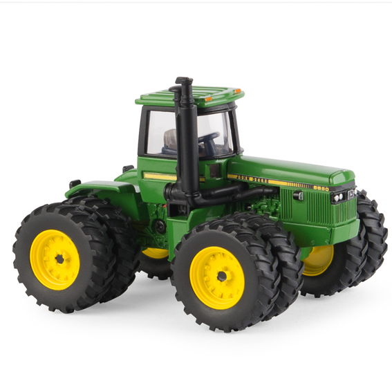 Ertl John Deere 1:64 Scale Model 8650 National Farm Toy Show Collector Edition Tractor