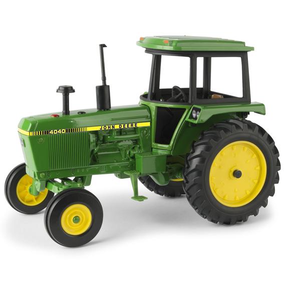 Ertl John Deere 1:16 Scale Model 4040 Tractor