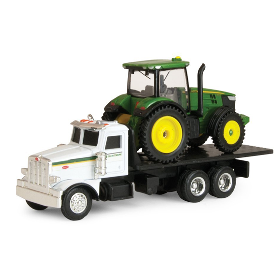 Ertl John Deere 1:64 Scale Model 7200R Tractor With Peterbilt 367 Truck