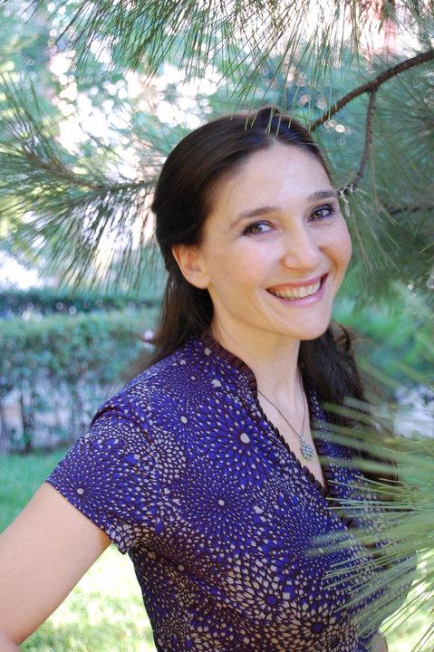 Asuman Çakır, an Actress from Erkenci Kus