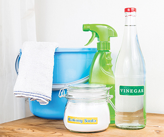 Your home will be spic n' span with vinegar and baking soda!