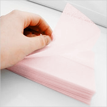 5 easy reasons to reach for fabric softener sheets