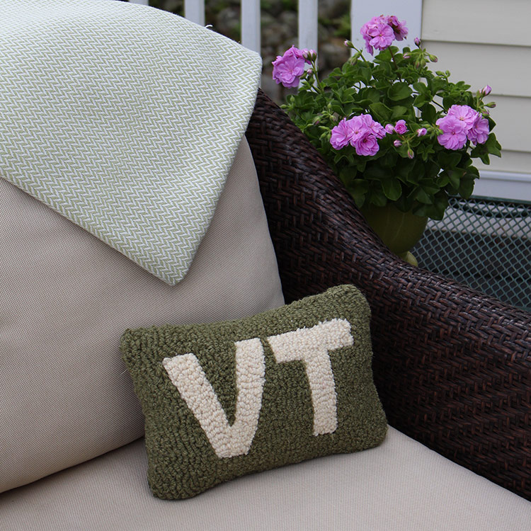 VT Hooked Wool Pillow