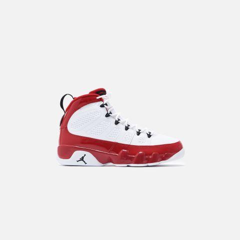 Nike Air Jordan 9 Retro - White / Black / Gym Red