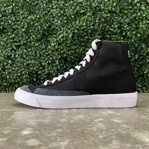 sports shoes dc3f4 19496 Nike Blazer Mid 77 Vintage WE (Black White)